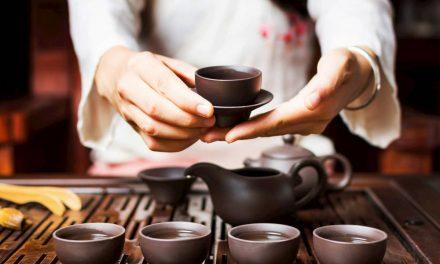 L'art du thé arrive en Europe