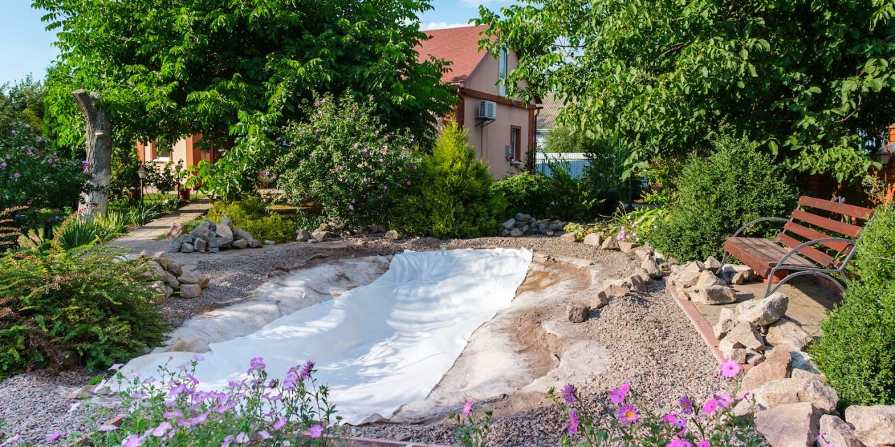 Comment bien utiliser le géotextile dans son jardin ?